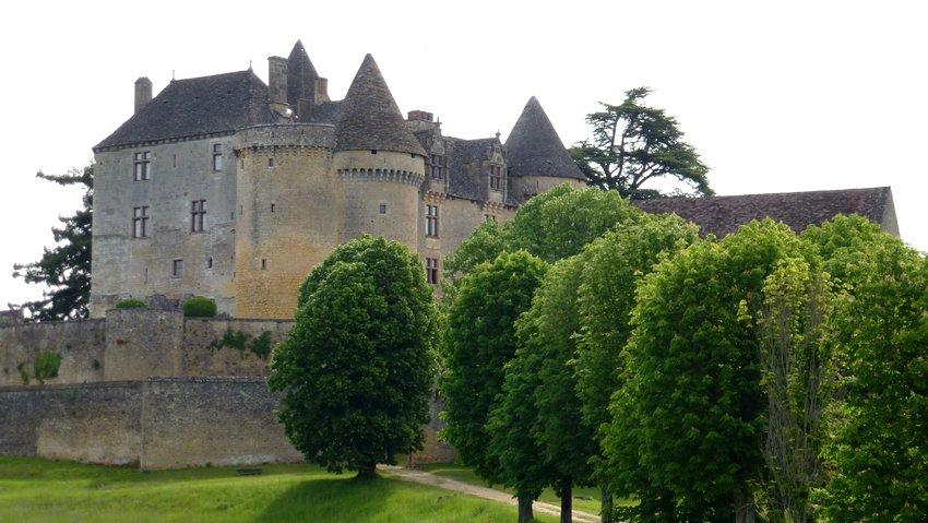 02-walk_bike_france-perigord-fenelon_castle