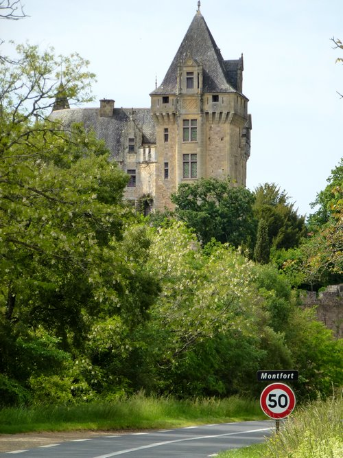 05-castle_to_see_in_france-montfort-perigord