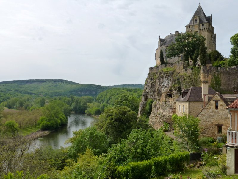 05-walking_dordogne_valley-montfort_castle