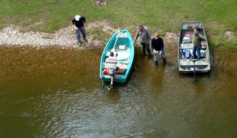 14-springtime_in_france-fishing_on_the river_dordogne