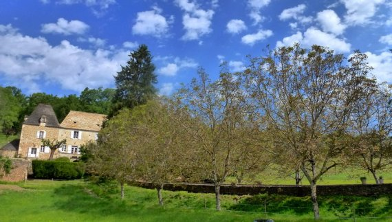 17-springtime_walk_and_bike_holiday_in_france-perigord