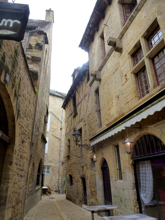 22-sarlat-perigord-old_houses