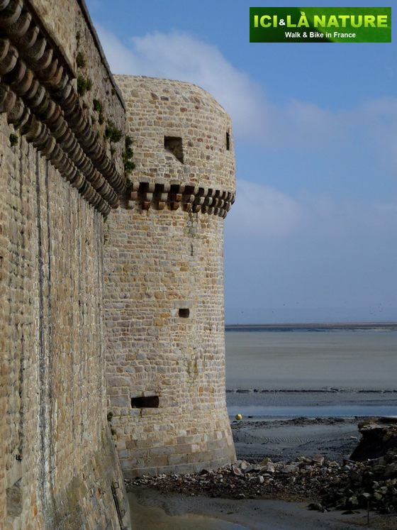 06-biking_holidays-mont-saint-michel-normandy-france