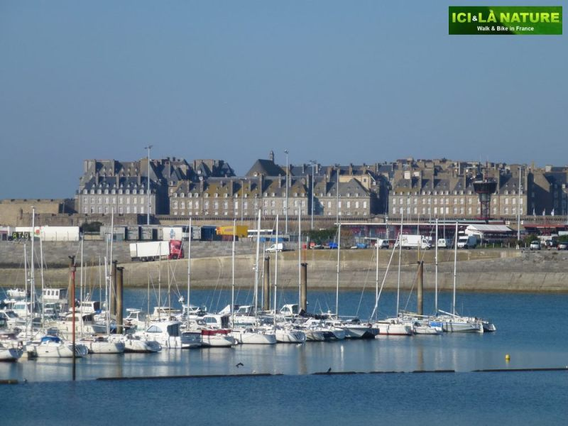 06-biking_tour_around_mont-saint-michel-port-saint-malo