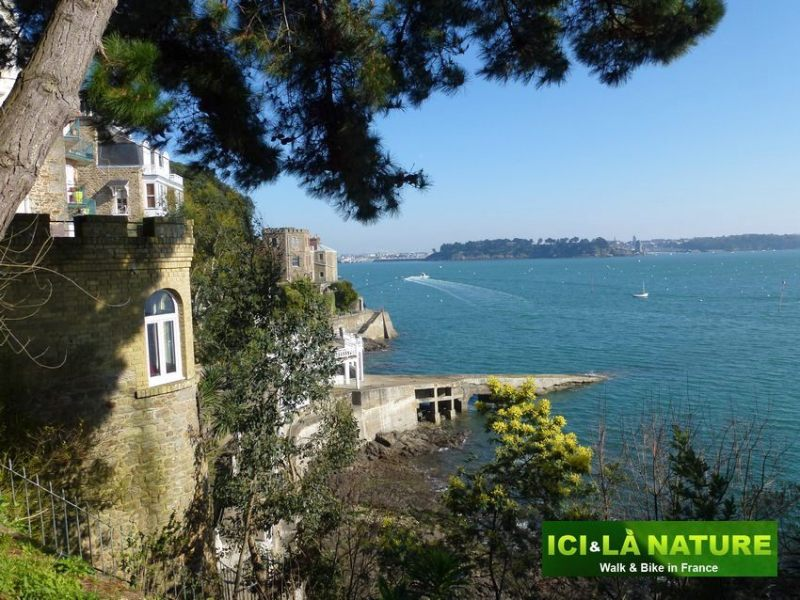06-biking_vacations_in_france-brittany-france