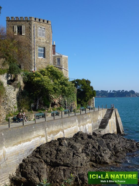 11-biking_vacations_in_france-brittany-dinard