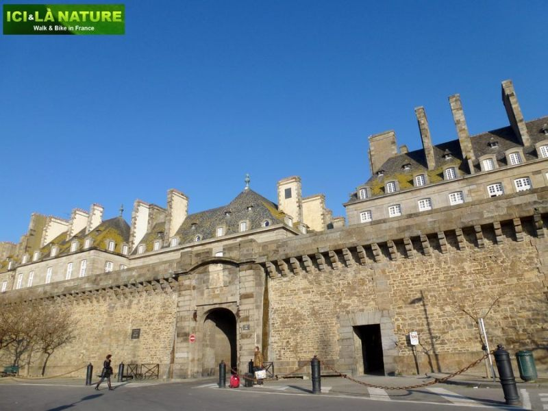 21-france_walking_hiking_holidays-saint-malo_brittany