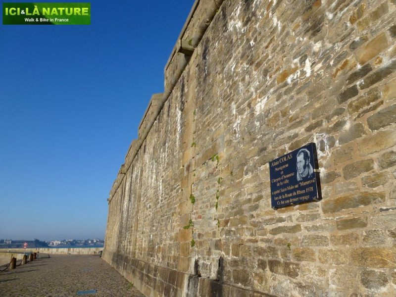 25-cycling_in_france-brittany-saint-malo
