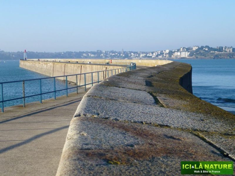 28-french_biking_holidays-brittany-saint-malo