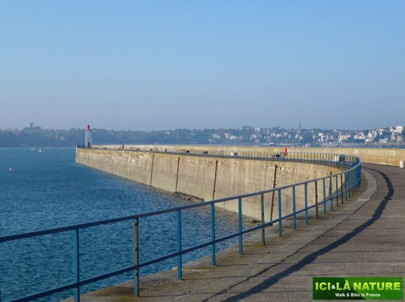 29-brittany_france_by_bike-saint_malo