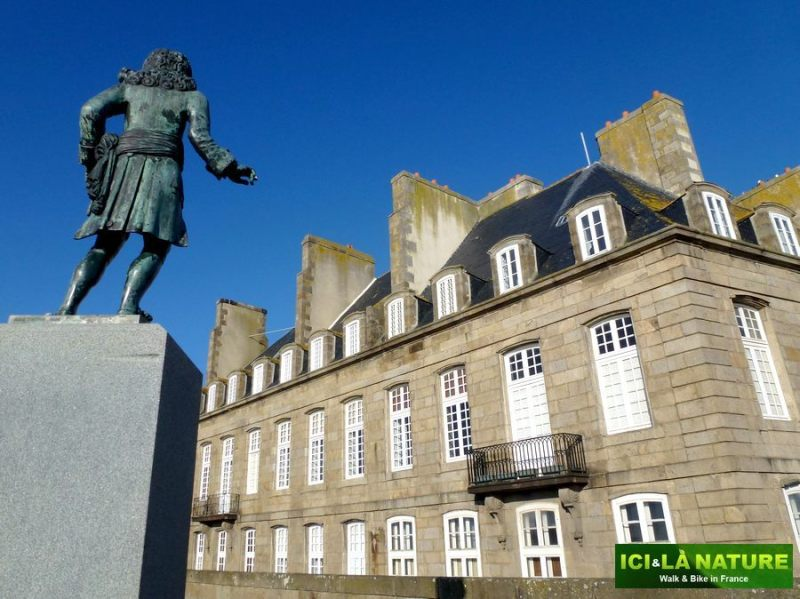 35-france_walking_biking_tour-saint-malo_brittany