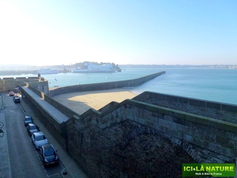 39-french_cycling_holidays-saint-malo-brittany
