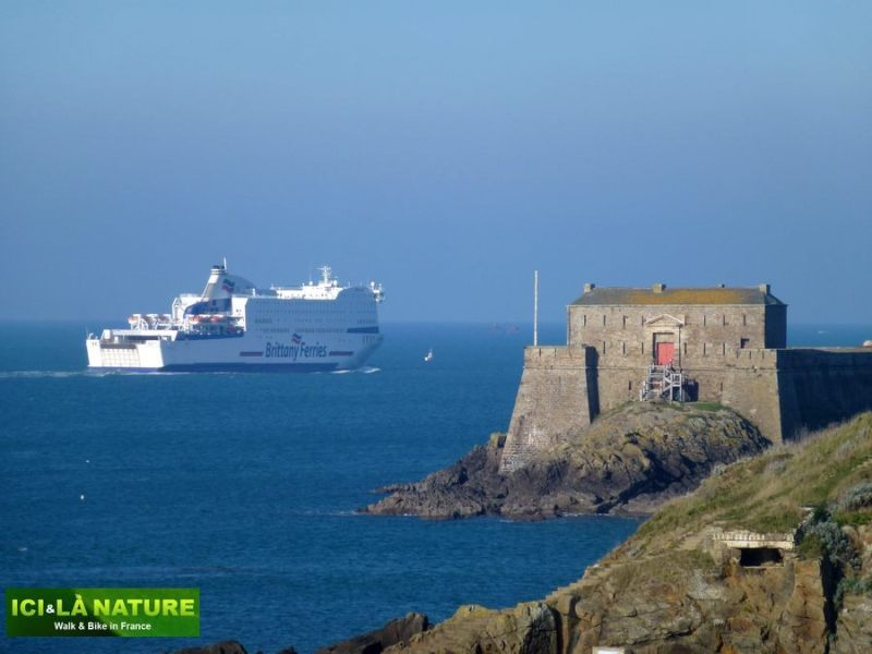 47-brittany_hiking_trip_france-saint-malo