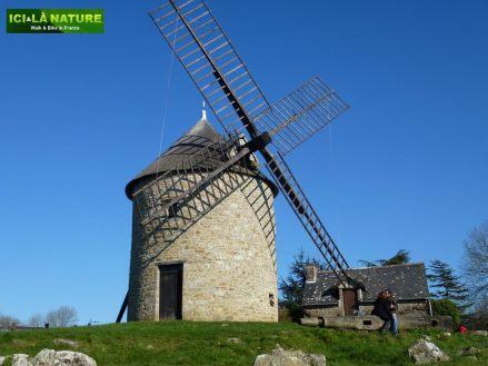50-mont-dol_small_roads_biking_in-france