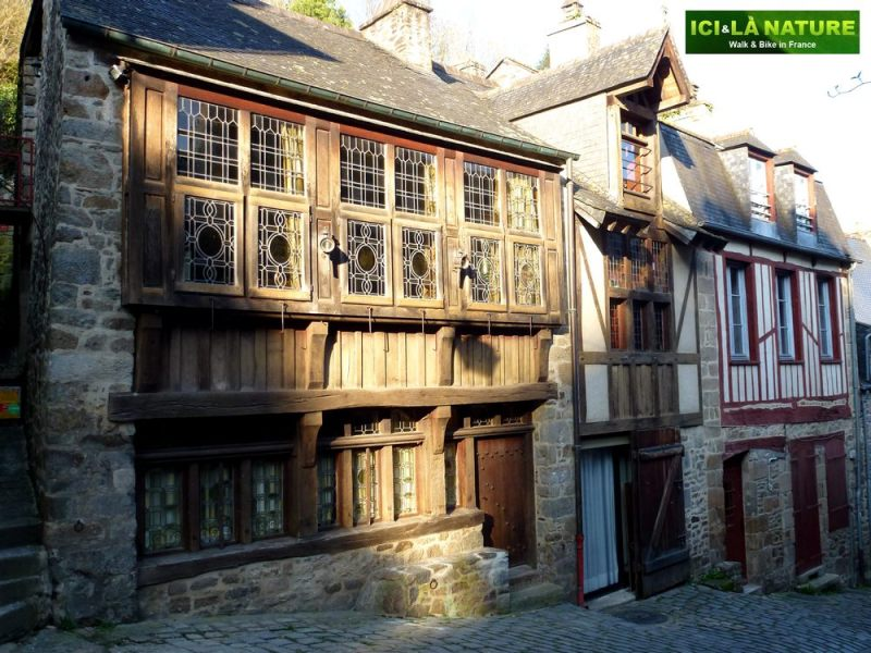 59-dinan-medieval_houses_near_mont-saint-michel