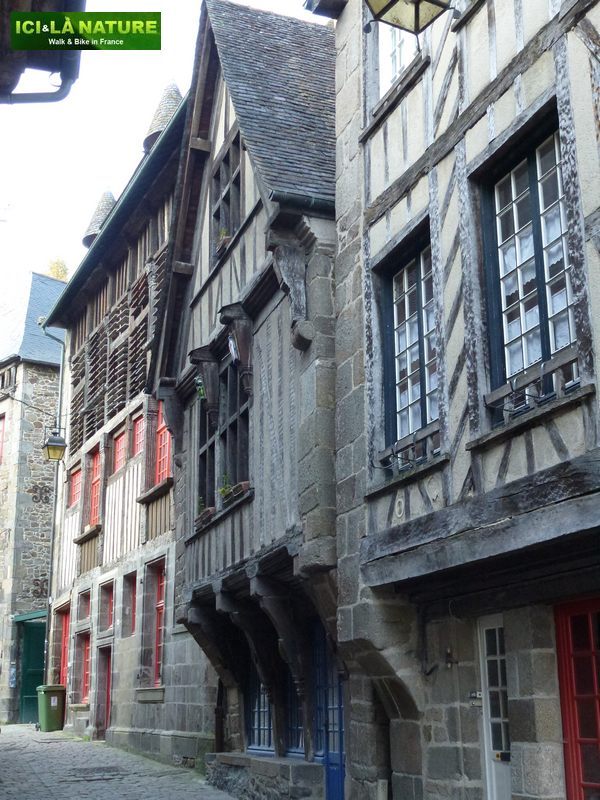60-french_biking_vacations-dinan-mont-saint-michel