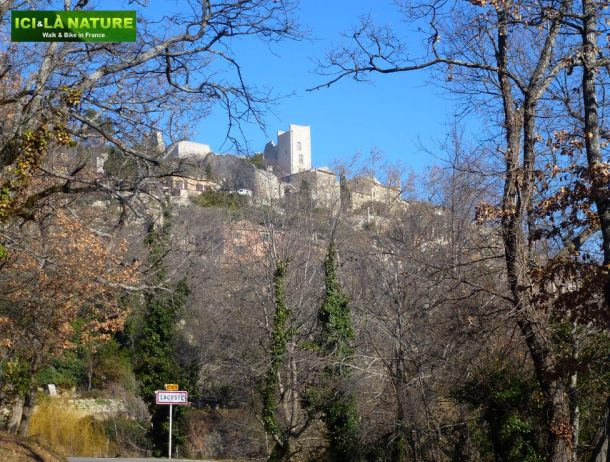 01-discover_france-provence-lacoste