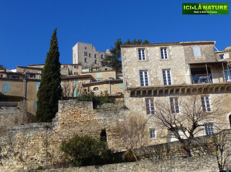 03-cycling_in_provence-luberon-lacoste