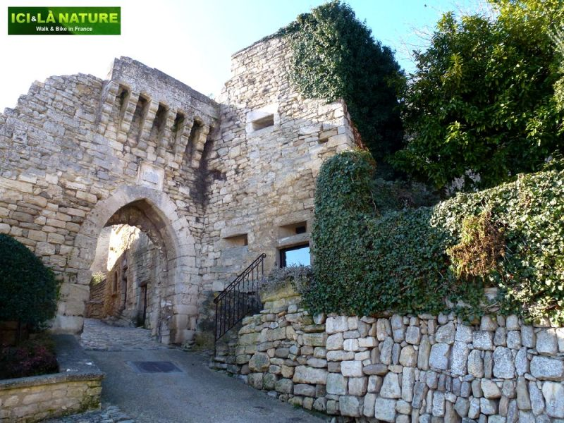 06-provence_bike_vacations-lacoste