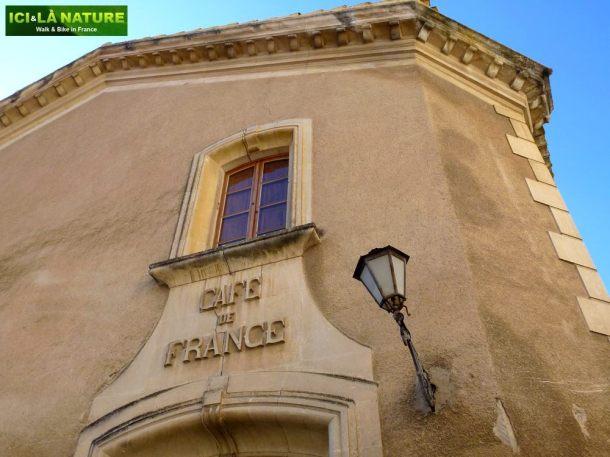 08-provence-cafe-de-france-lacoste-vaucluse