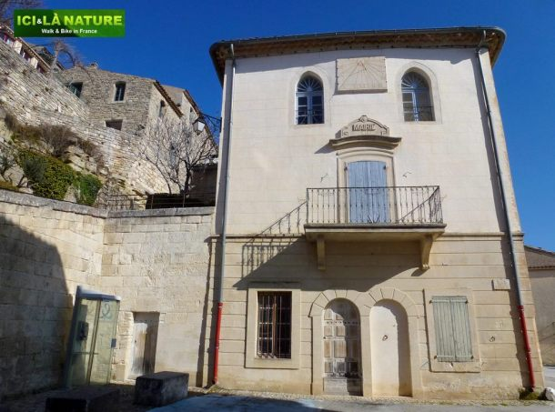 10-mairie-provence-lacoste-vaucluse