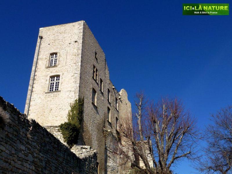 14-marquis_de_sade-castle-lacoste-vaucluse