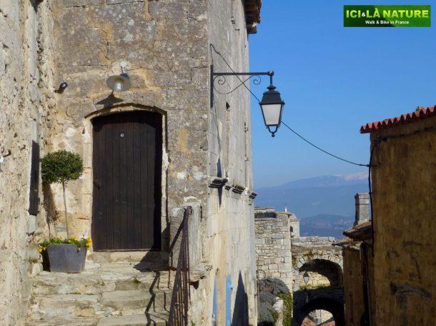 16-discover_provence-lacoste-marquis_de_sade