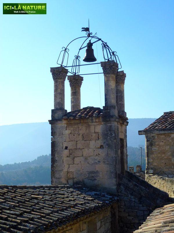 17b-clocher_lacoste_provence-vaucluse