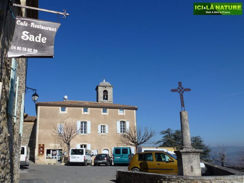 19-cafe-restaurant_sade-lacoste-vaucluse