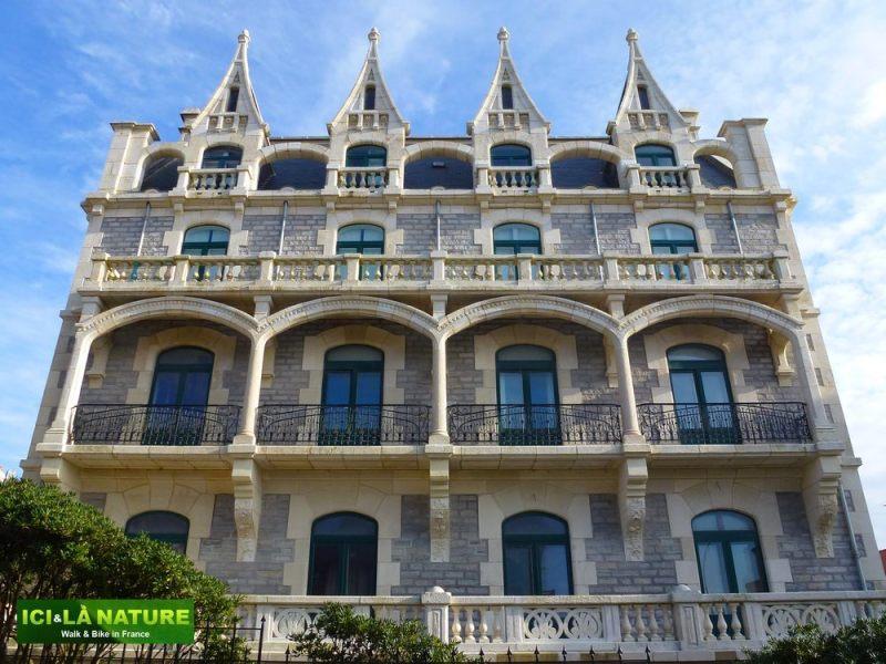 22--visit_biarritz
