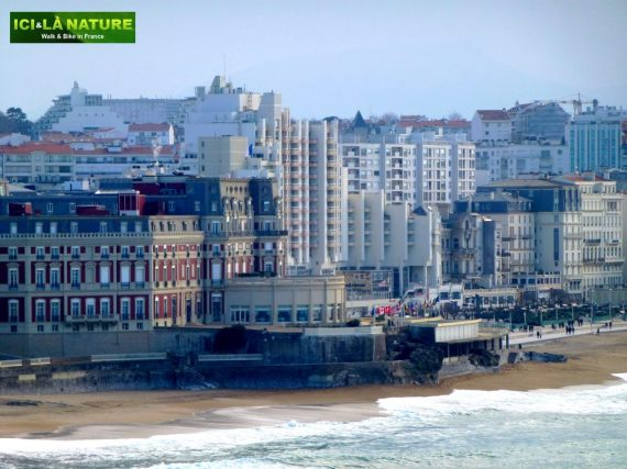 35-walking_vacations-france-biarritz