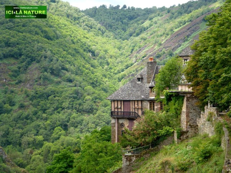 01-camino_frances-hiking-conques