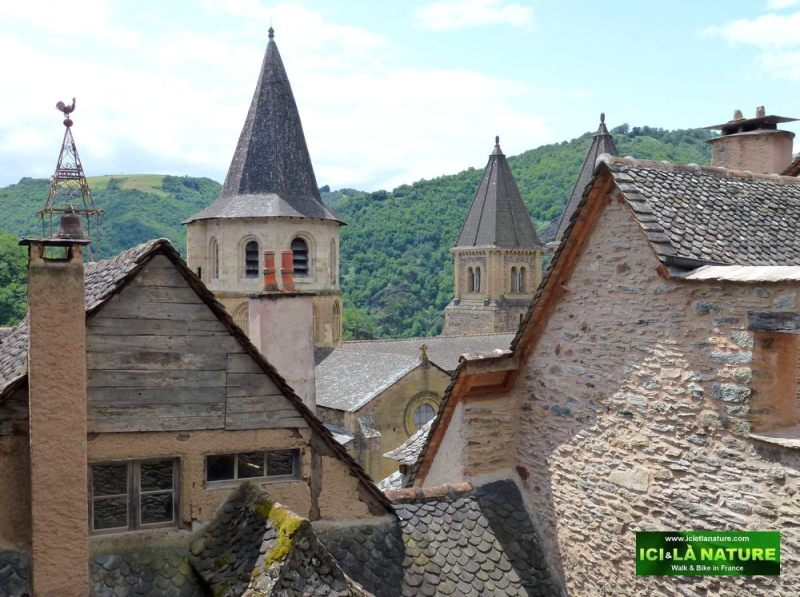 09-cathedral-camino-conques