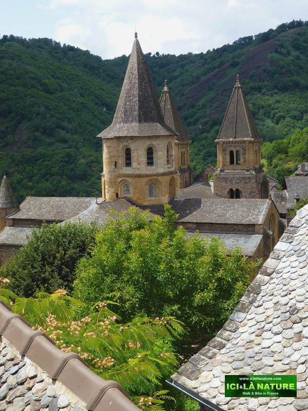 10-walking-the-way-conques-french-camino