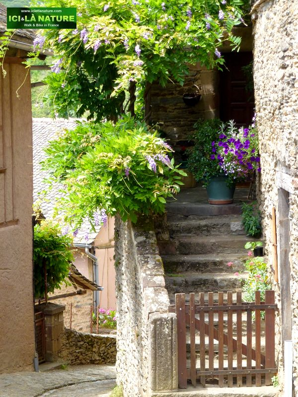 15-way-of-st-james-in-france-conques