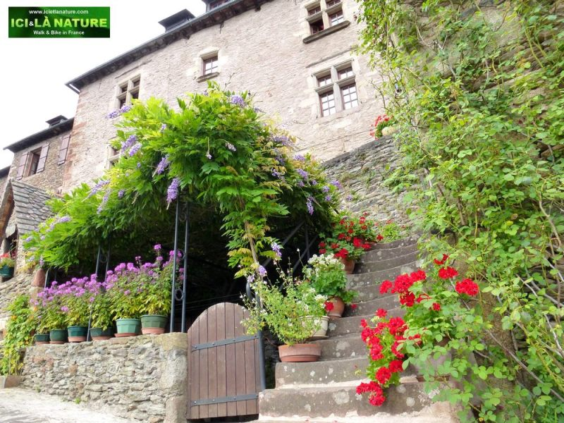 16-hiking-camino-in-france-conques