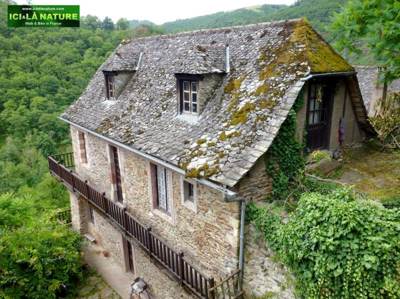 19-visit-aveyron-conques