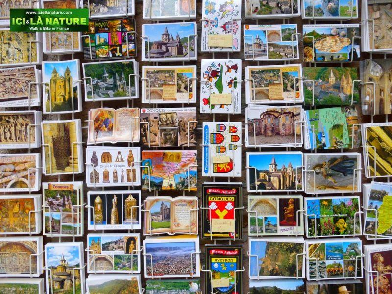 21-conques-tourism_architecture