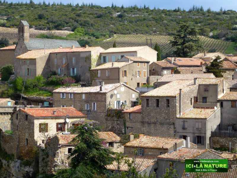 00-south-france-village-minerve