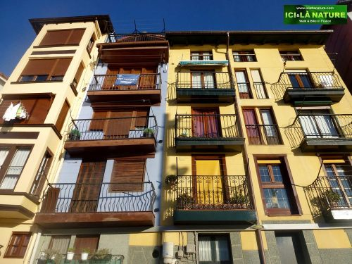 00-travel-architecture-spain-colors