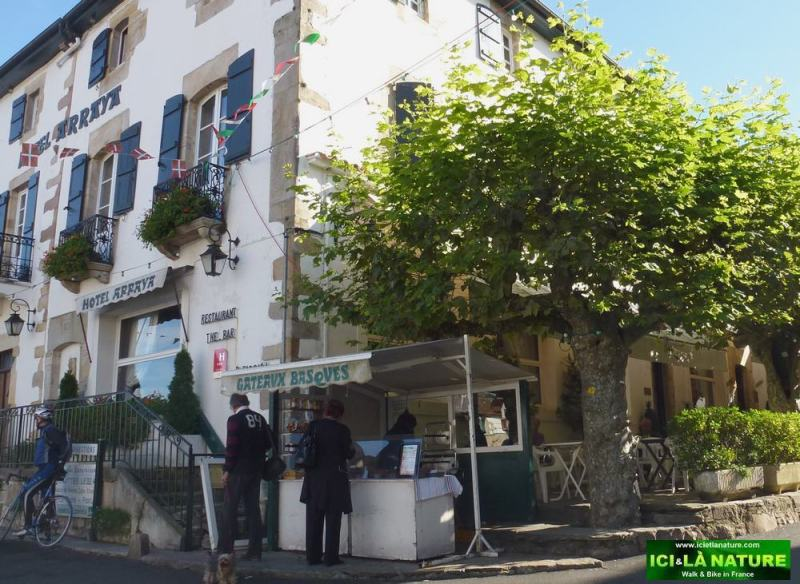 03-walking holidays basque country