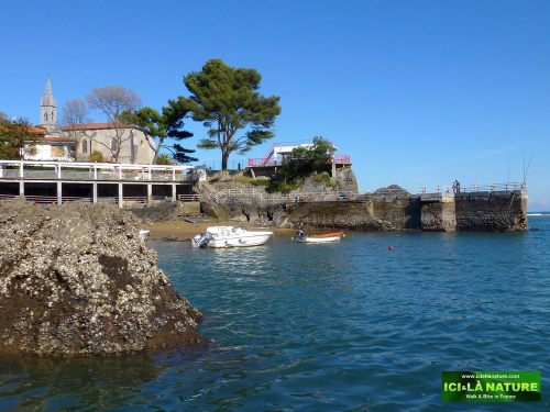 10-hiking-holidays-mundaka