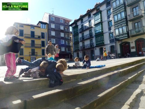 10-mundaka-children