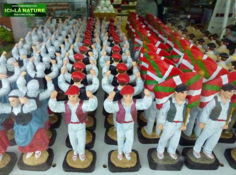 54-camino frances- basque figurines