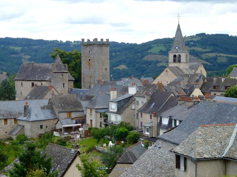 54-landscape village france senergues