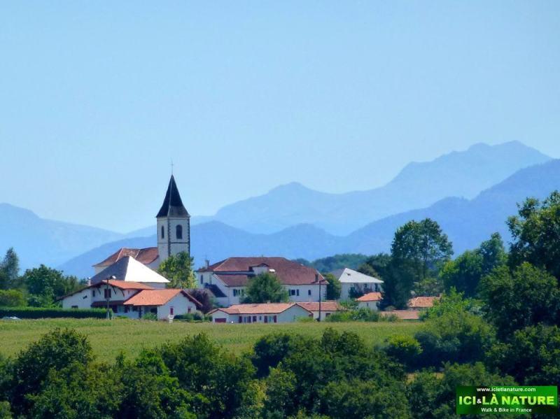 60-basque village ici et la nature france