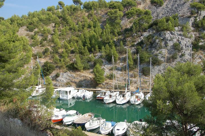 15-cassis calanques walking trail