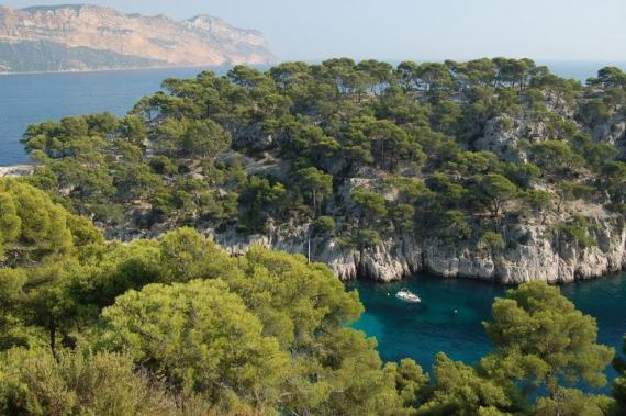 24-provence walking cassis mediterranean coast