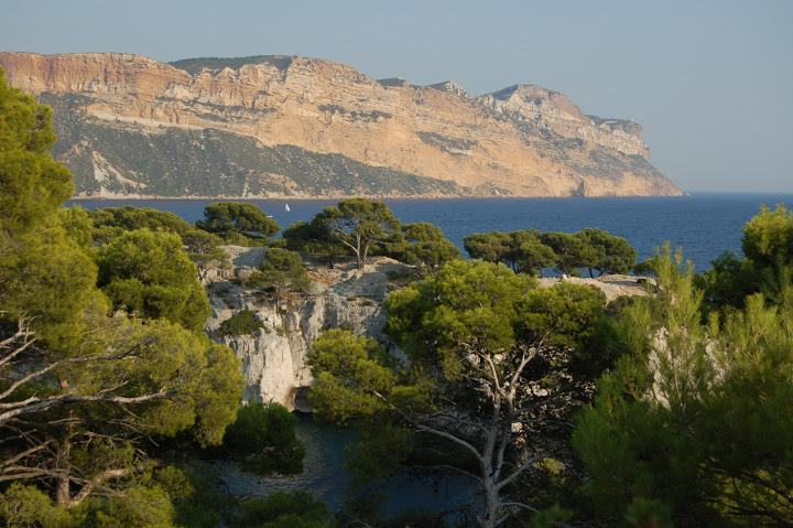 36-hiking holidays calanques marseille cassis