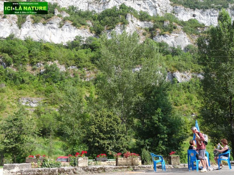 55-climb cele river landscape france